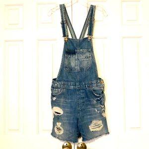 Zara Trafaluc distressed denim overalls shorts. S